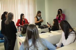 Orientações sobre maquiagem e cuidados com a pele foram repassadas durante as oficinas no TCE