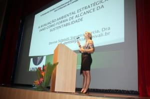 Denise defendeu a AAE como instrumento para regular atividades degradantes do meio ambiente