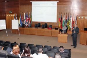 A pesquisa foi apresentada no auditório pelo professor da FDC, Mário Woortmann