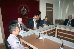 Representantes de órgãos estaduais e federais assinaram o termo na sede do MP-RO