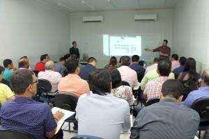Oficina sobre arrecadação própria do municípios com os instrutores Bruno Piana e Hermes Melo