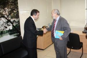 O conselheiro Valdivino Crispim também recebeu o jurista em seu gabinete