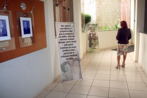 Logo na entrada do TCE banners garantiam o clima especial para a homenagem às mães