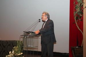 O professor Luiz Alberto enfocou, entre outros aspectos, a função dos Tribunais de Contas no processo de inclusão social