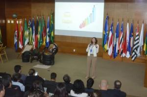 A coordenadora do Escritório de Projetos, Cleice de Pontes, explicou como funcionará o Boas Contas