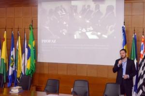 O coordenador executivo do Profaz, Bruno Piana, falou sobre aspectos relativos ao programa
