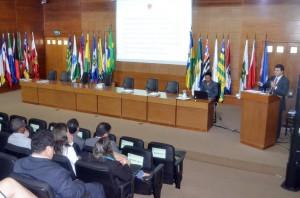 O procurador-geral do MPC, Adilson Moreira, abordou aspectos da Lei n. 13.460/2017