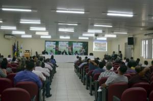 A mesa de trabalhos que debateu o tema Desenvolvimento Sustentável