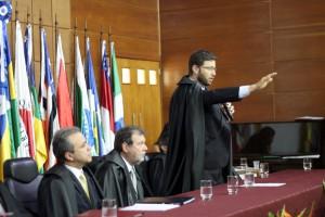 Conselheiro Paulo Curi em seu juramento de posse como corregedor-geral