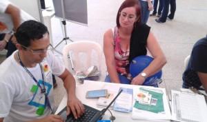Atendimento à cidadã realizado no estande das Ouvidorias