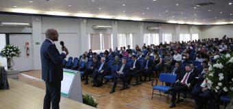 Membro do TCE-RO aborda boa governança pública e provimento de cargos comissionados durante o VIII Fórum